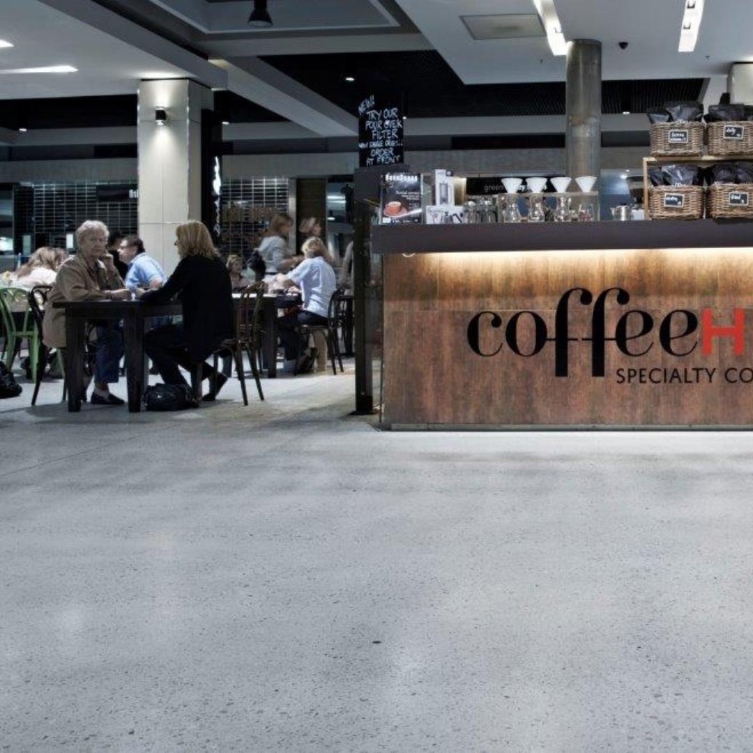 Betonschleifen Café